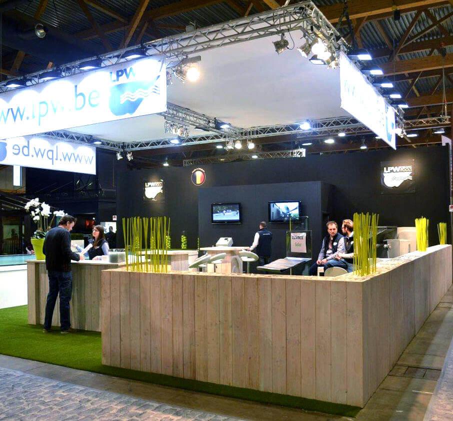 Ruimte voor verkoopgesprek op een beursstand | © www.Expopoint.be