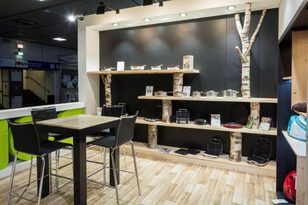 Sfeervolle stand met houten aankleding en decoratie | © www.Expopoint.be